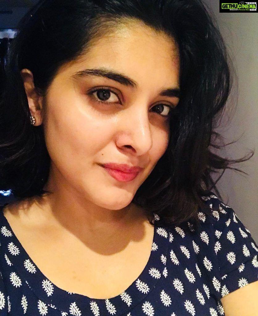 Actress Nivetha Thomas 2018 Latest Cute Images & Family
