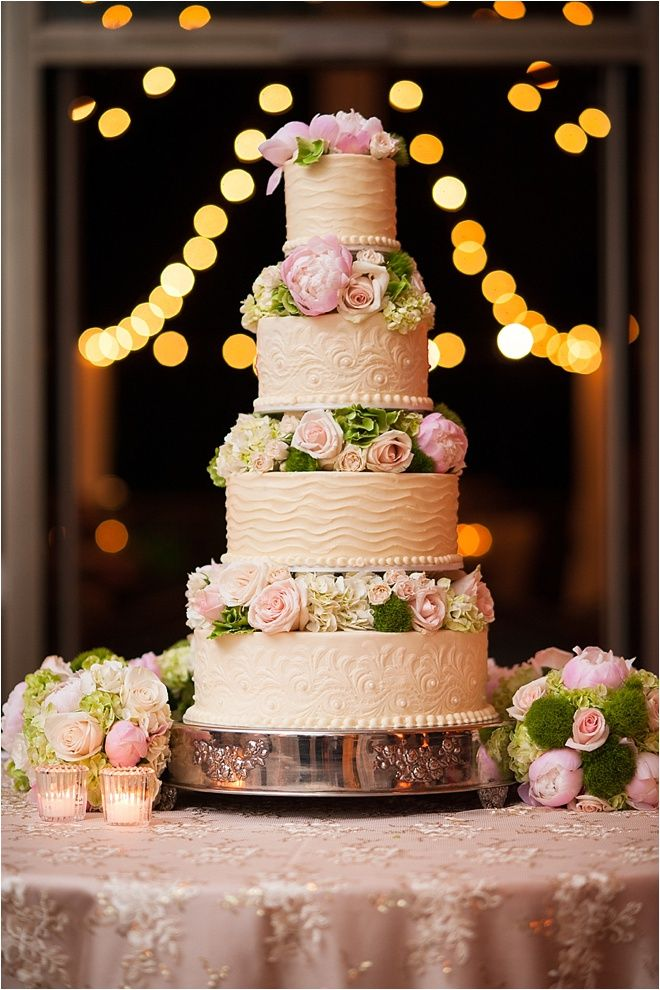 wedding cake who made the cake photo sarah austin photography