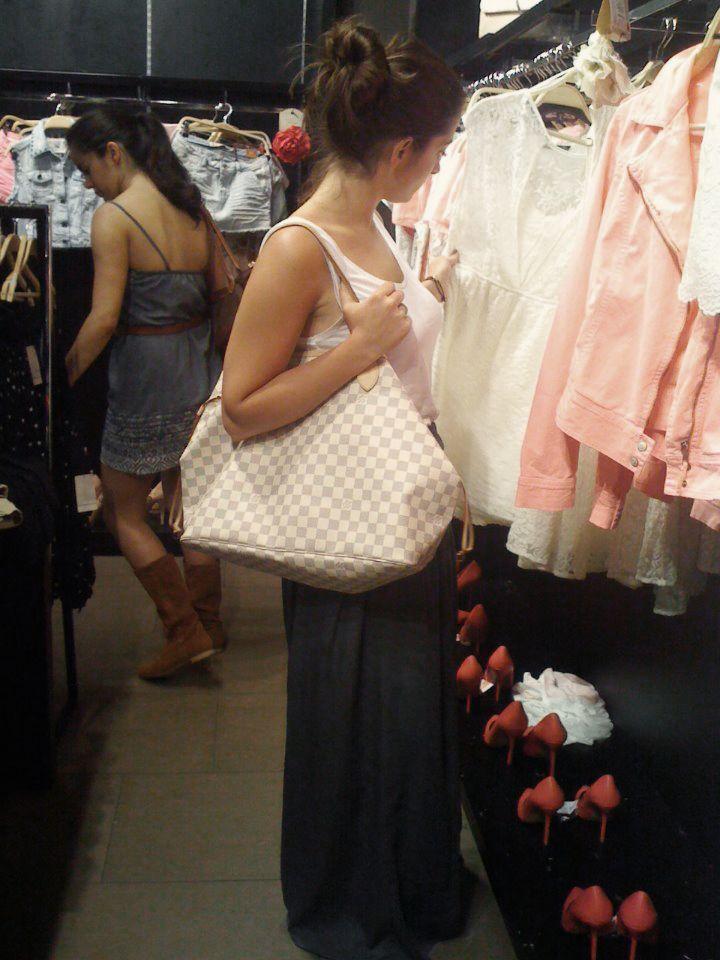 Zara Alexanderplatz Berlin Women Fashion Ruffle Blouse