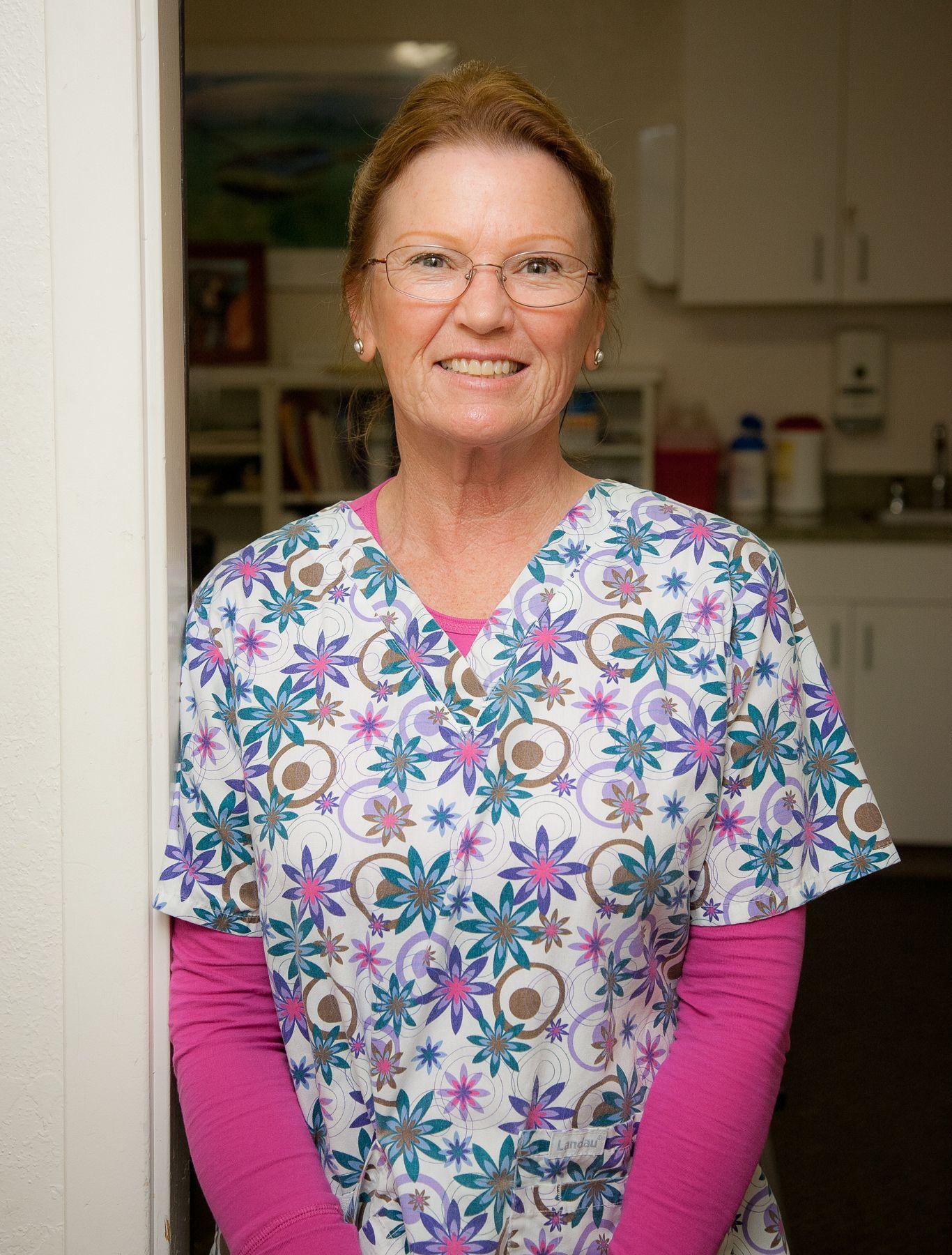 Elaine R Humboldt Open Door Clinic Coordinator Mens Tops Men Casual Button Down Shirt
