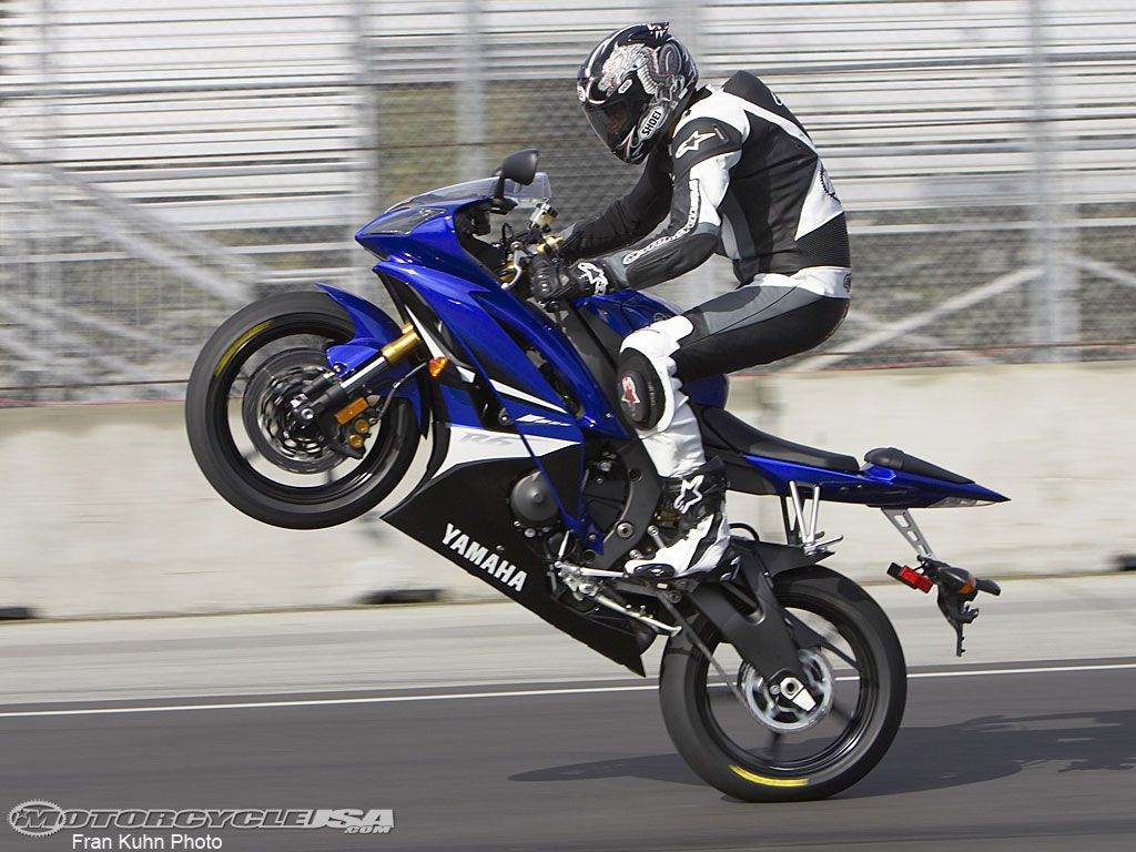 Blue Yamaha R6 Wheelie | Choppers Bikes & Motorcycles ...