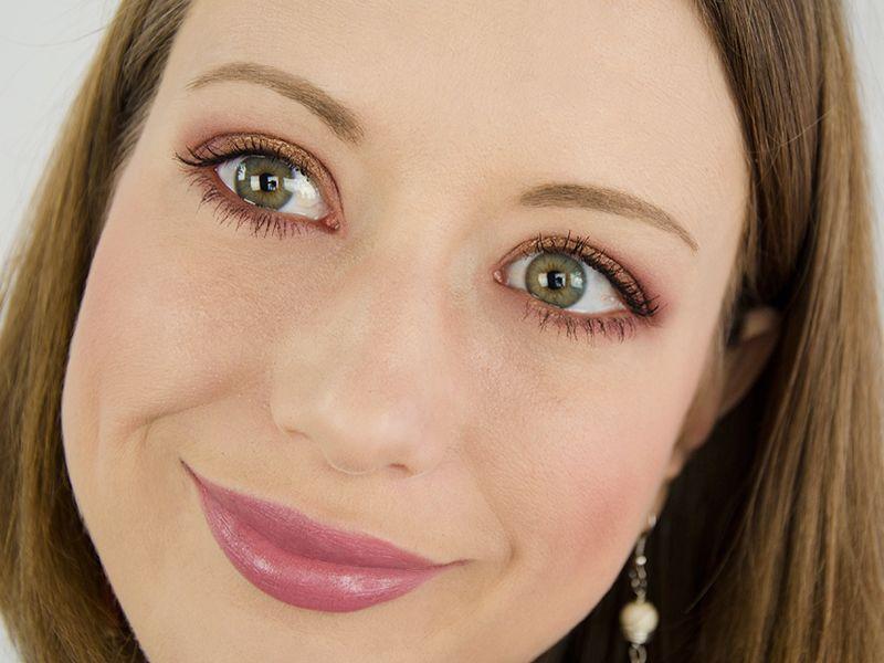Maquillage 100% bio avec les produits Zao MakeUp , Grenat, bronze et vieux  rose