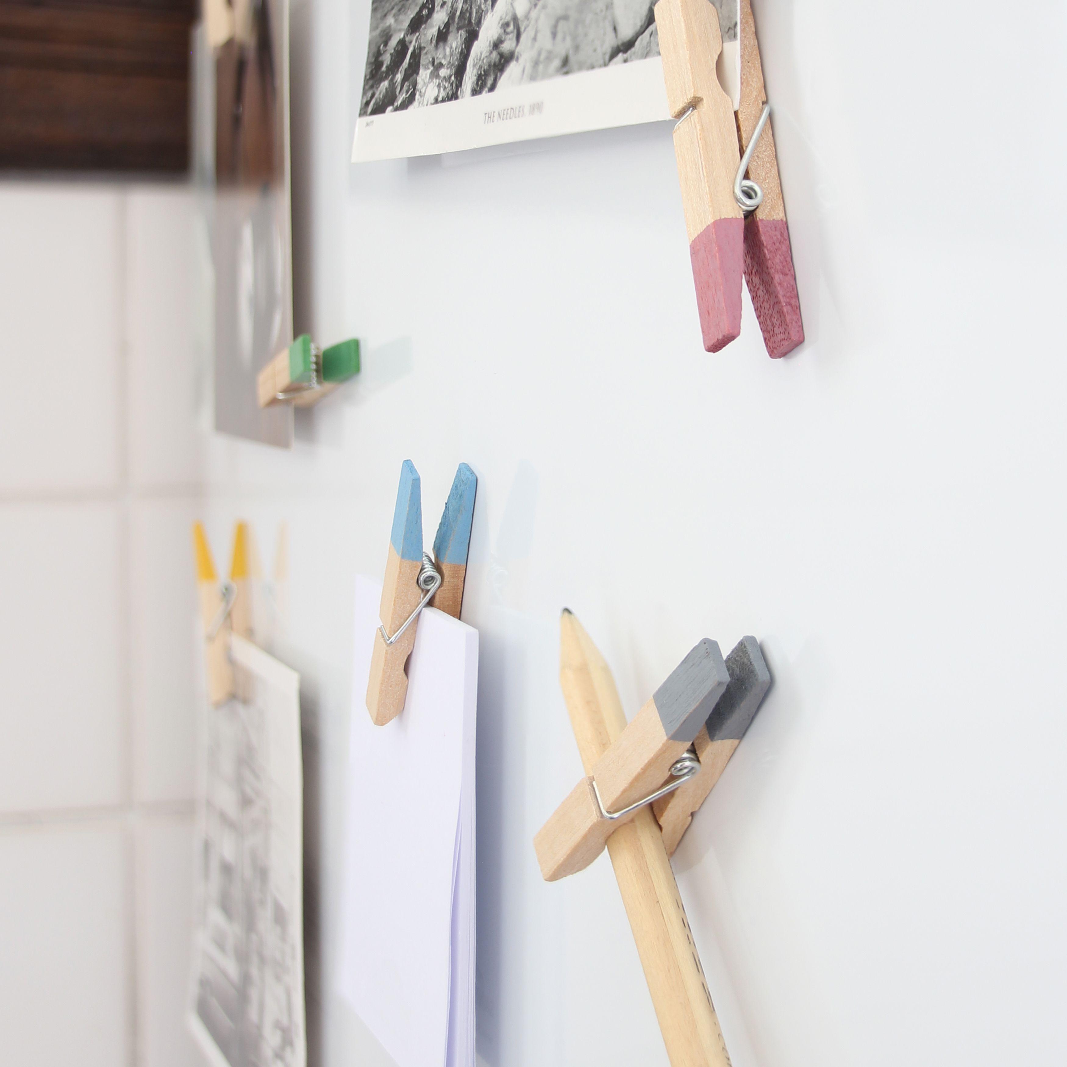 Schwarz-weiss Fotos schön gestalten. Bunte Kühlschrank ...