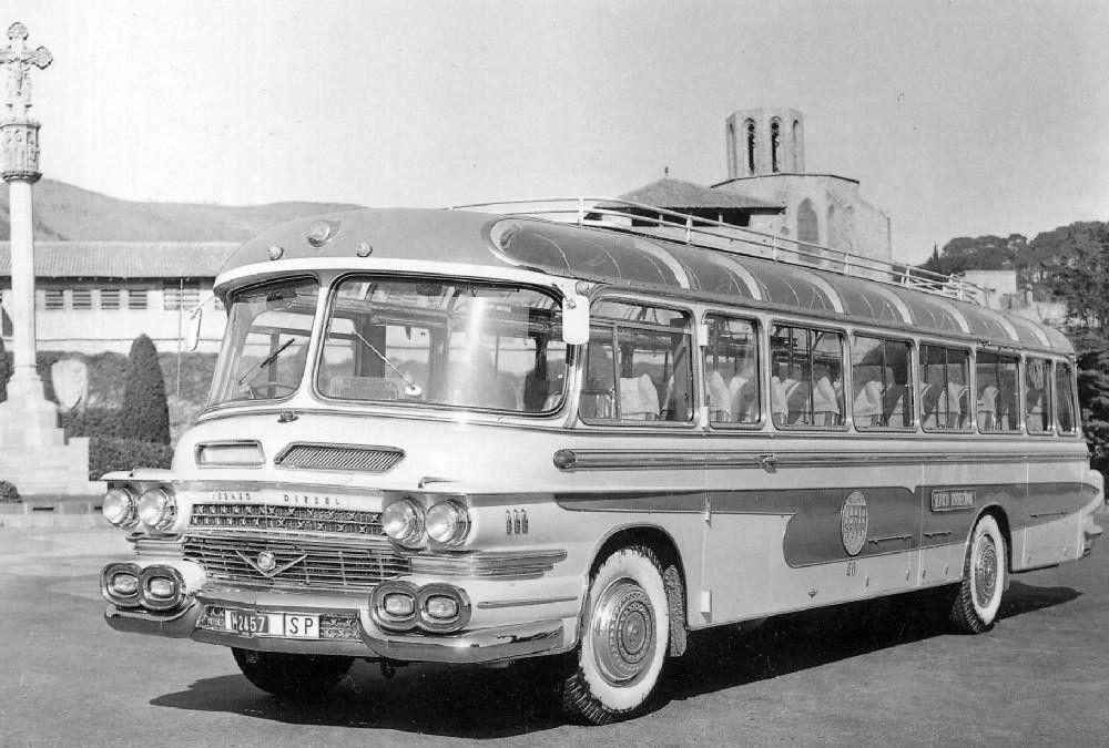 http://www.oldpicz.com/spanish-buses-pegaso-1960s/