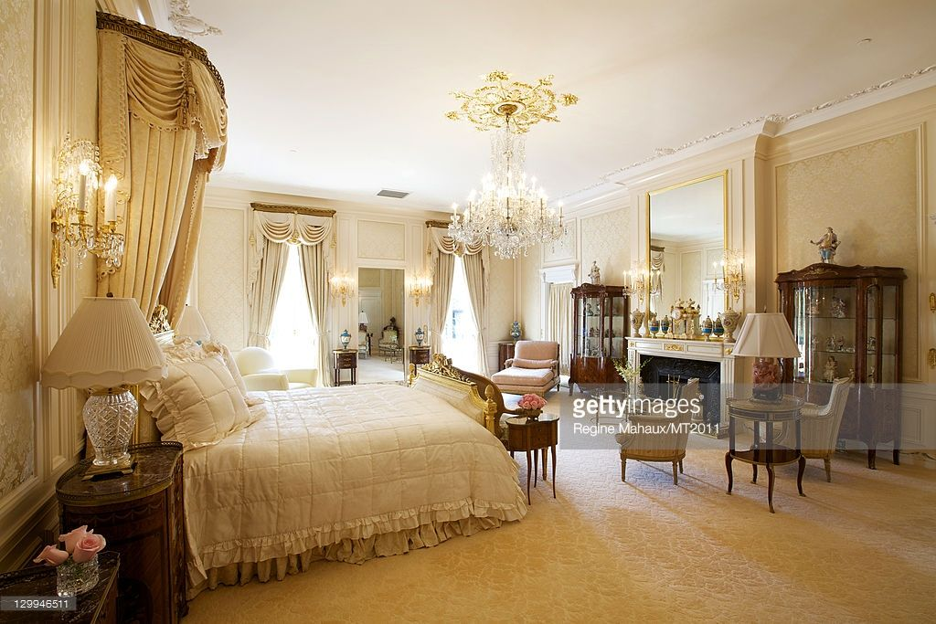 Trump S Bedroom At Mar A Lago Cote De Texas Mar A Lago Before After Of The New Winter White House Bedroom Images House Interior Design