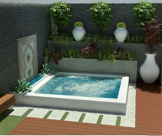 Pin de mari herrador en piscinas patio peque o pinterest for Jacuzzi en patios pequenos