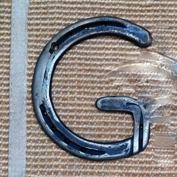 how to make a horseshoe hook