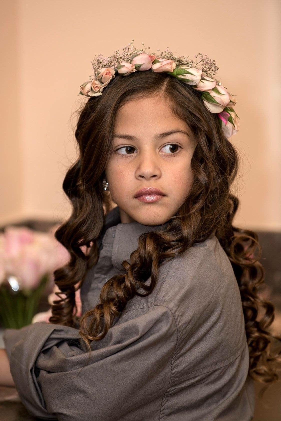 Flower girl Hairstyle for long hair   Flower girl ...