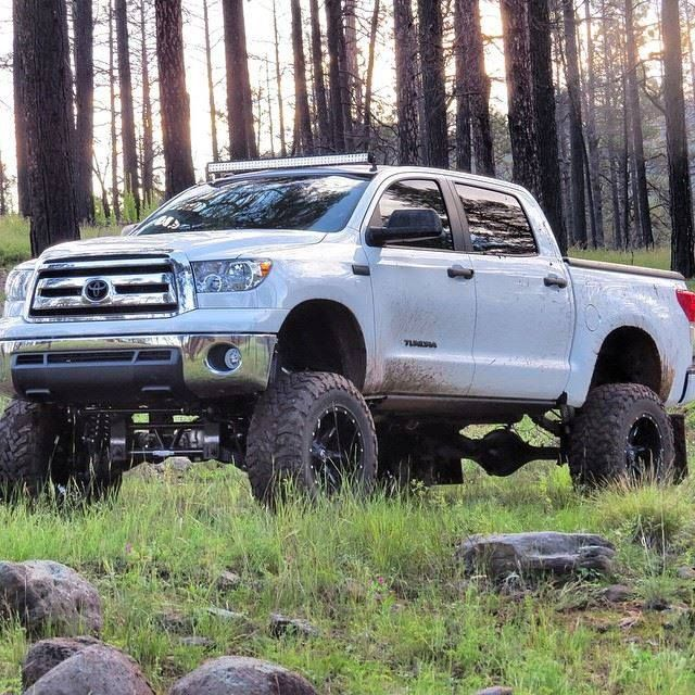 Off road Tundra with the UnderCover Classic... Bet this
