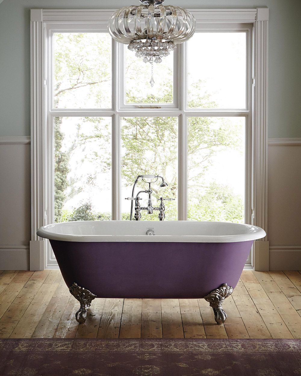 Cast iron baths give such a luxurious feel to a bathroom. Our luxury ...