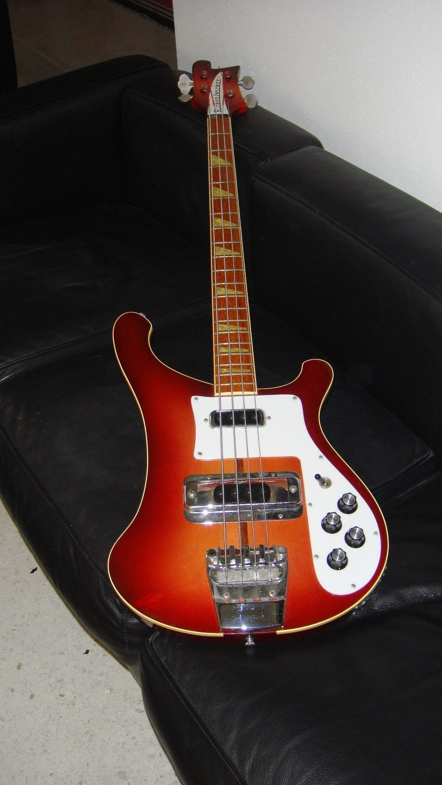 vintage 1976 rickenbacker model 4001 fireglo bass electric guitar rickenbacker 4001 guitar. Black Bedroom Furniture Sets. Home Design Ideas