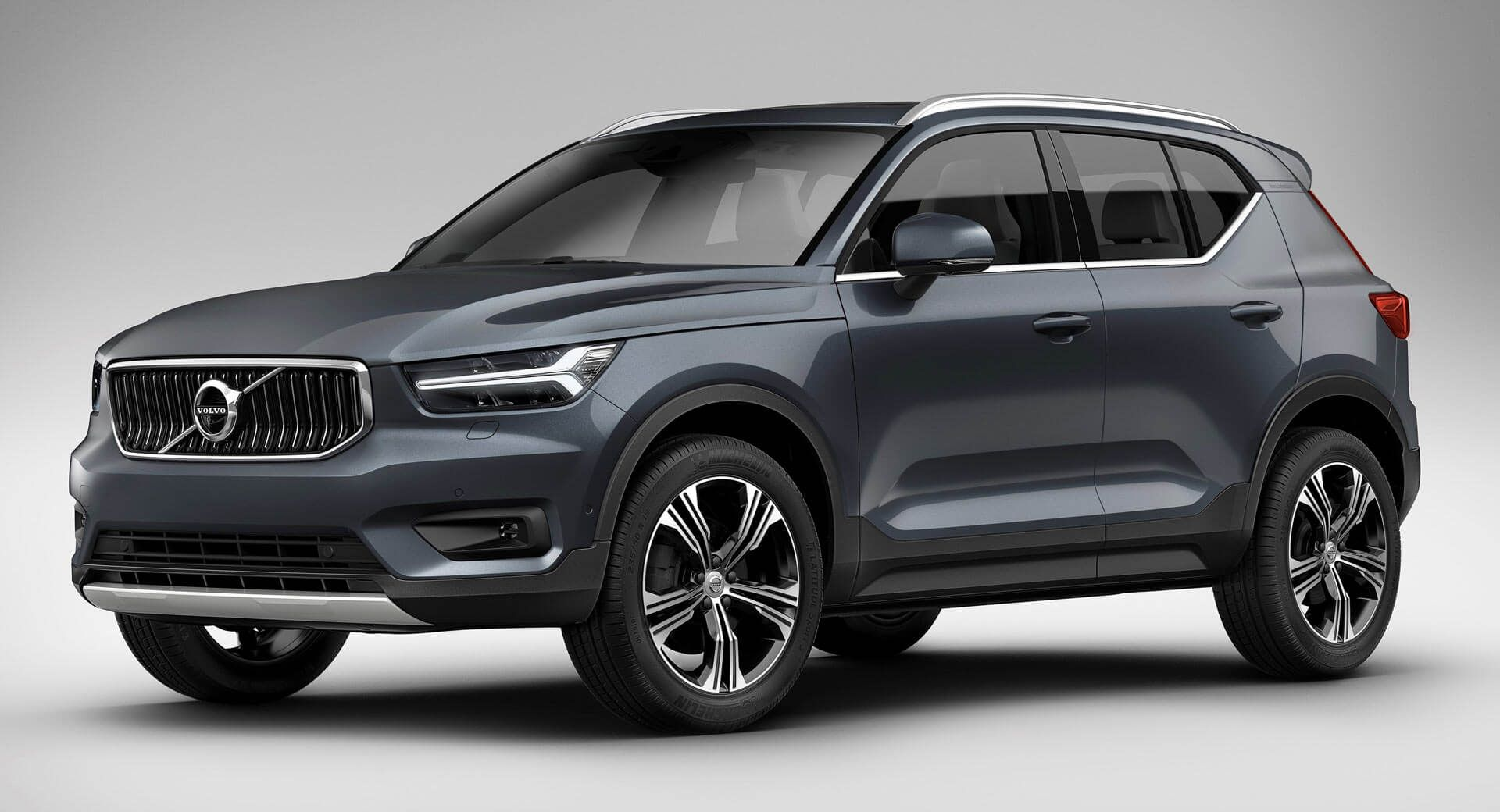 Xc40 Debuts Volvo S First Ever Three Cylinder Engine Hybridized And Ev Models To Follow Carscoops Volvo Volvo Suv Volvo Cars