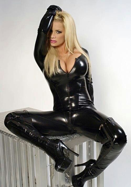 Sexy Girls in Latex, Rubber and Leather Clothing, Uniforms