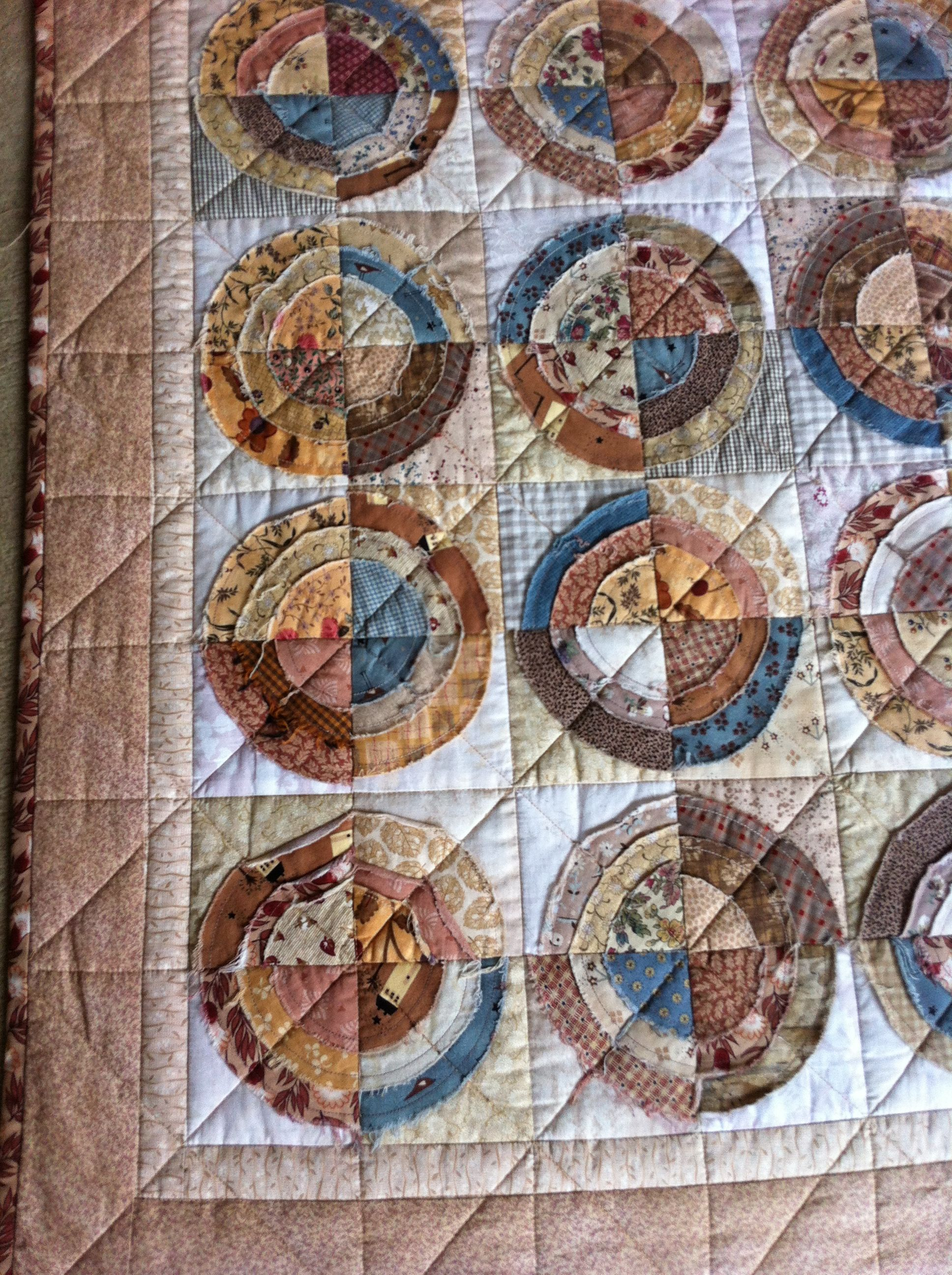 Scrappy Raw Edge Circle Bullseye Quilt Rag Quilts