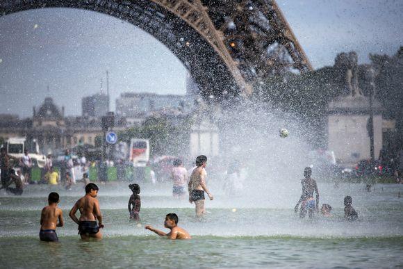 5 turistimokaa Pariisissa