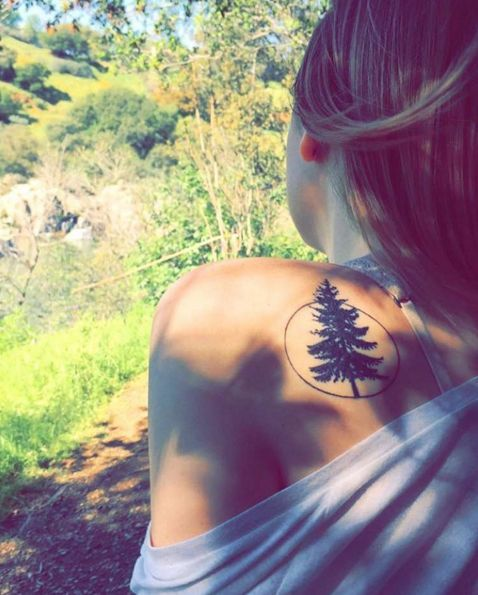 22e4cfce9 31 Brilliant Shoulder Tattoos For Women | Tats | Tattoos, Nature ...