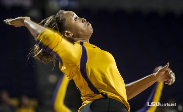 Baton Rouge Lsu Volleyball Signee Taylor Bannister A 6 Foot 6 Inch Middle Blocker X2f Right Outside Hitter Out Of Misso Lsu Volleyball News Senior Magazine