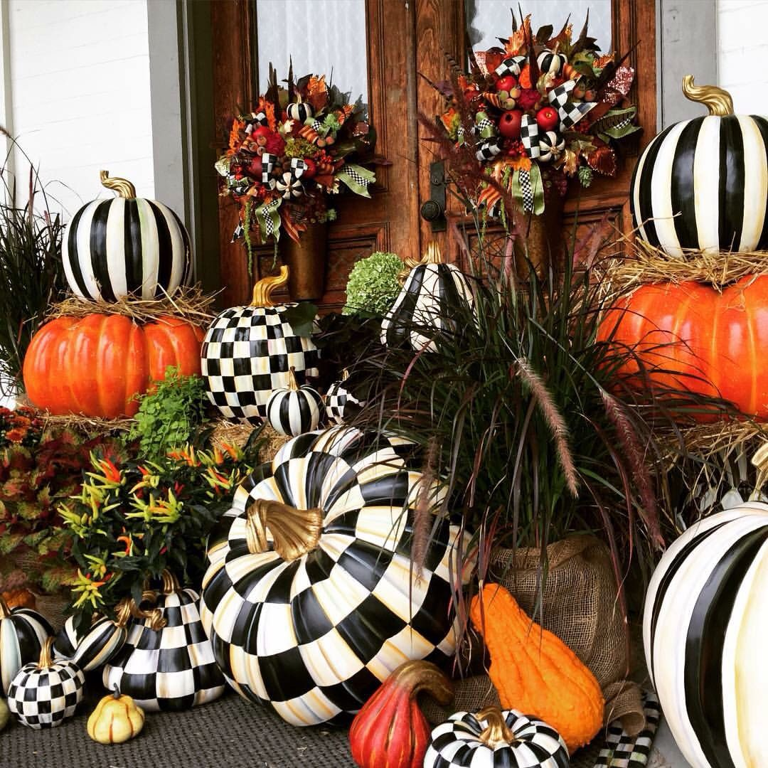 Amazing Outdoor Pumpkin Display Black And White Checkered