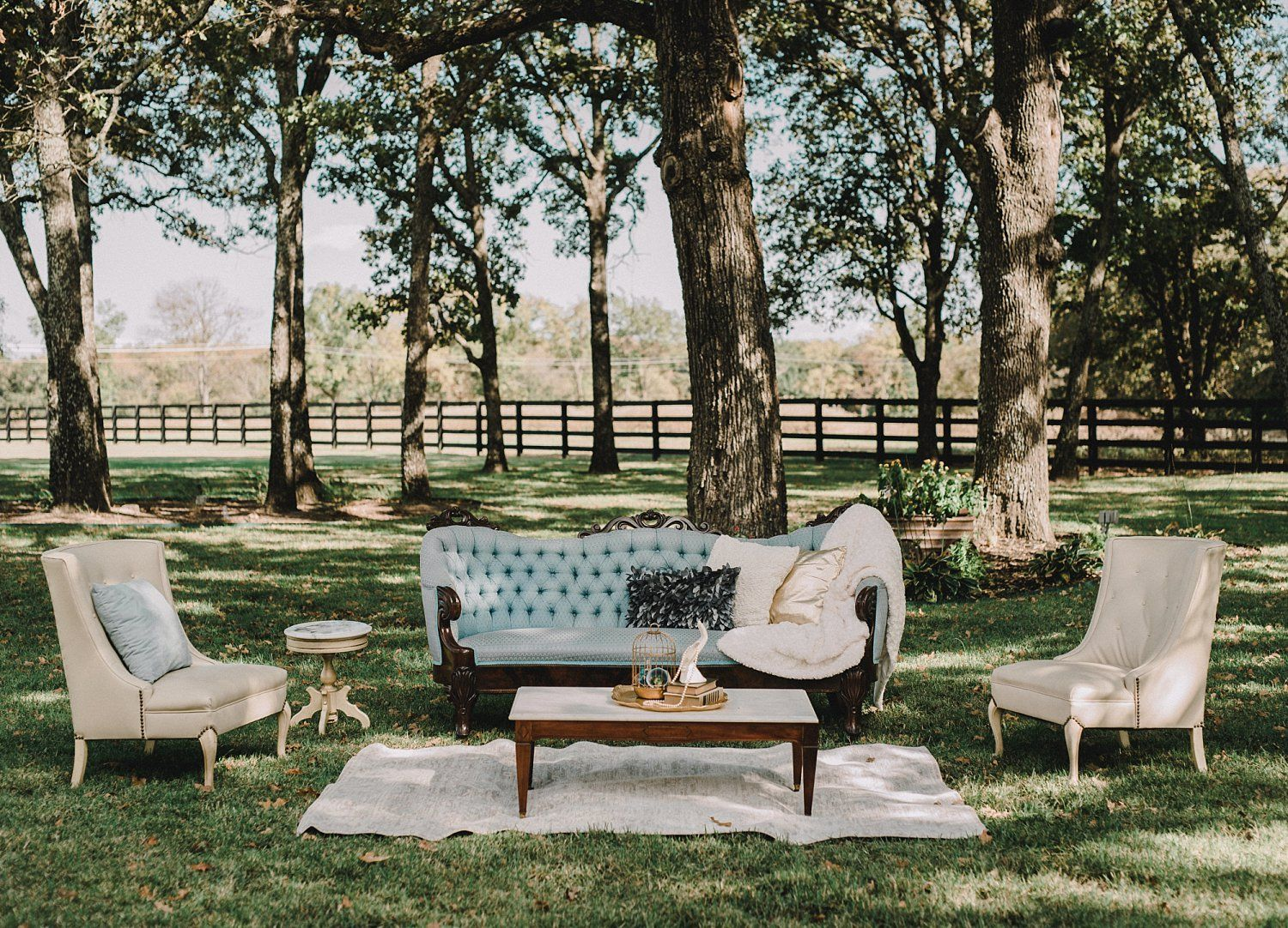 Rachel Cord Wedding Dallas Rent My Dust Vintage Rentals White Sparrow Barn 11 Jpg In 2020 Wedding Lounge Area White Sparrow Barn Wedding Lounge