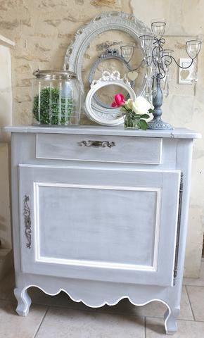 Confiturier chêne massif, patiné gris et rechampis blanc Furniture