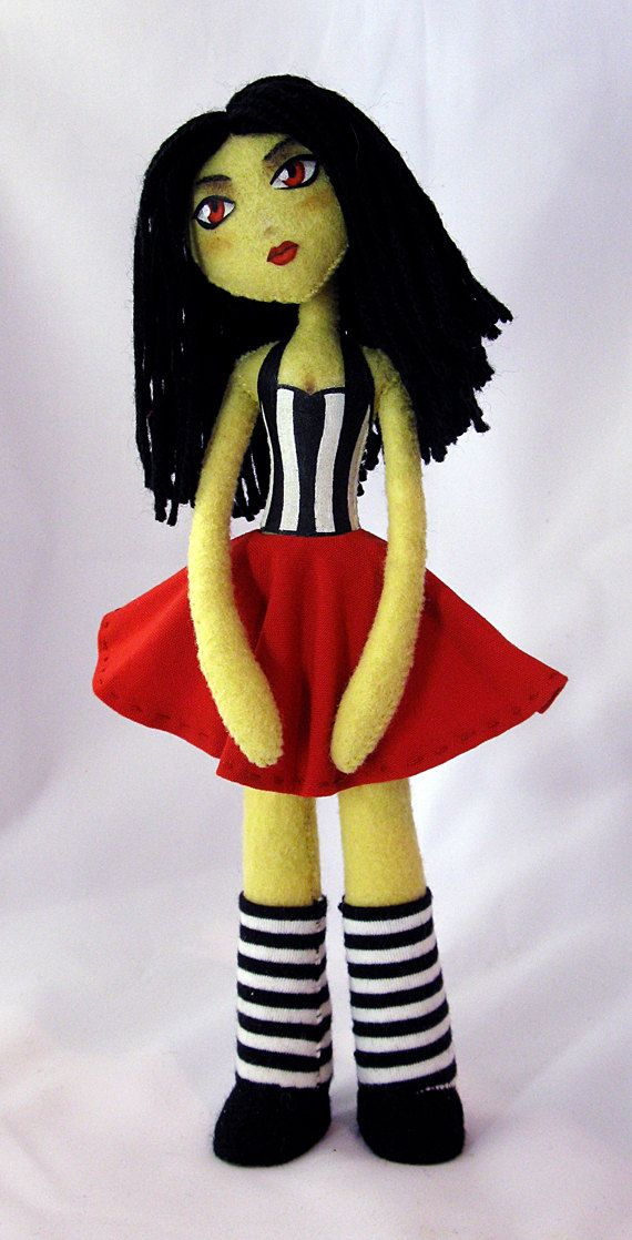 Adorable pattern PDF to make more grown-up style doll for Jillian. Love this!