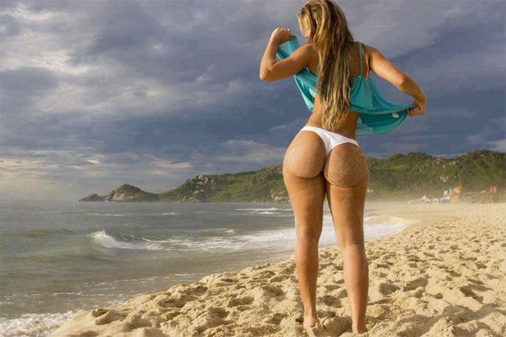 Big butt bikini models