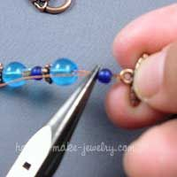 Instructions for Stringing Beads  A Beginner's Tutorial. Nice easy to follow tutorial.