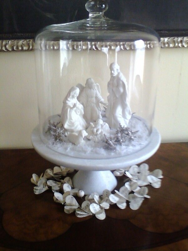 Nativity Displayed Under A Glass Dome Christmas Decorations Christmas Nativity Catholic Christmas