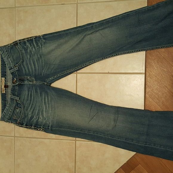 BKE Jeans by Buckle These are BKE Jeans by Buckle.  They are size 28,  which is a 5/6. They are in good condition with only a little bit of fray through out.  These are expensive and quality made jeans at an affordable Price. BKE Jeans