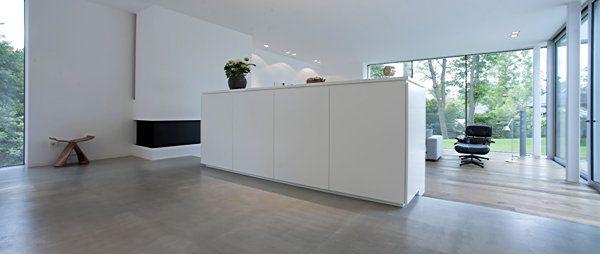 Wohnzimmer mit große Beton-Bodenfläche Kitchen/Living Pinterest
