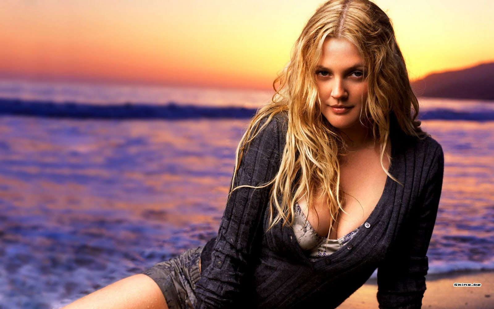 Hot Drew Barrymore naked (38 foto and video), Pussy, Paparazzi, Twitter, braless 2006