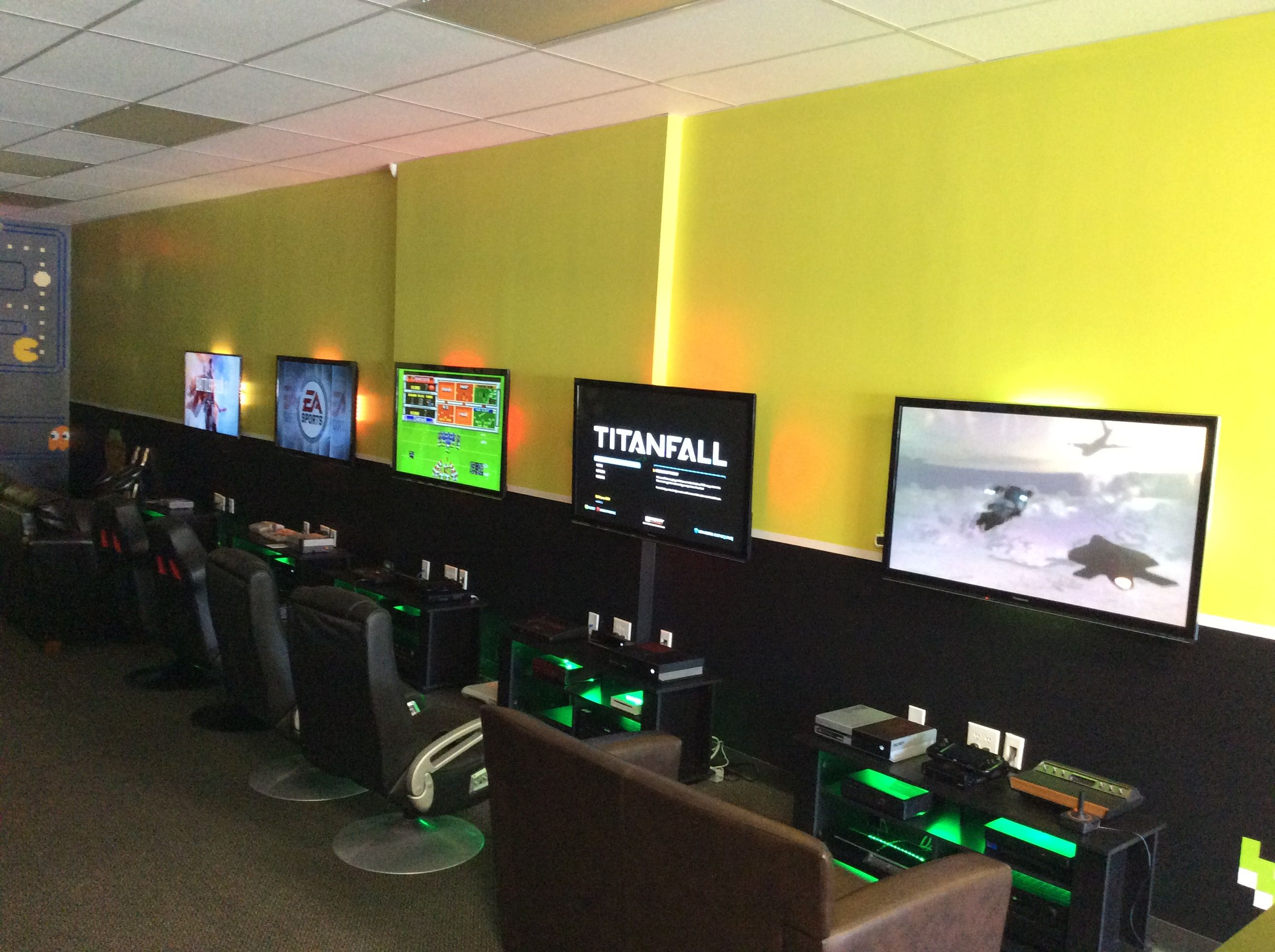 A Shot From Our New Store In River Vale Video Game Rooms Cyber