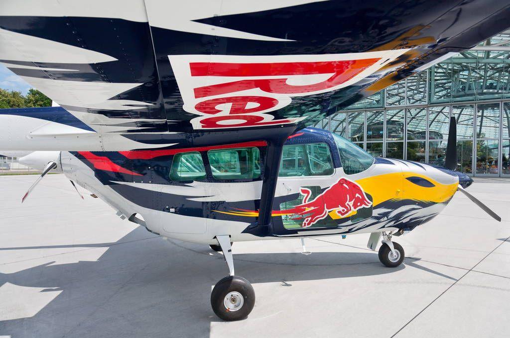 Cessna 337 Skymaster - Red Bull | Aviation | Aircraft