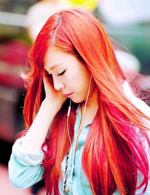 13 K Pop Idols With Gorgeous Hair Colors Styles Cool Hair Color Cool Hairstyles Hair Inspiration Color