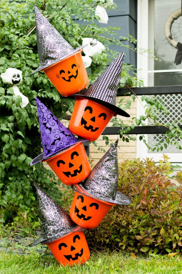 DIY Outdoor Halloween Decorations made from Dollar Store