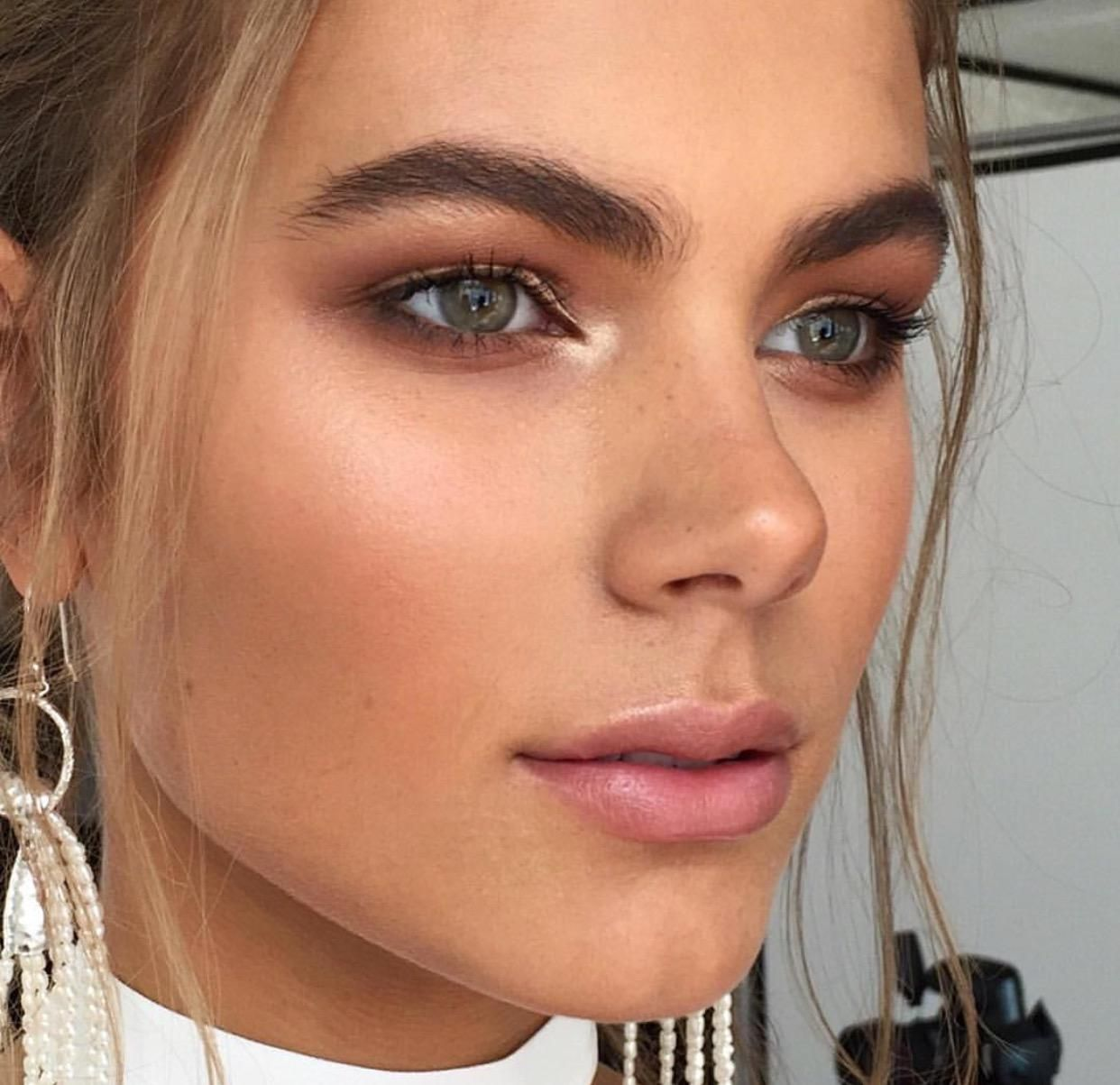 35 Perfect Natural Makeup Ideas & Trends for Everyday