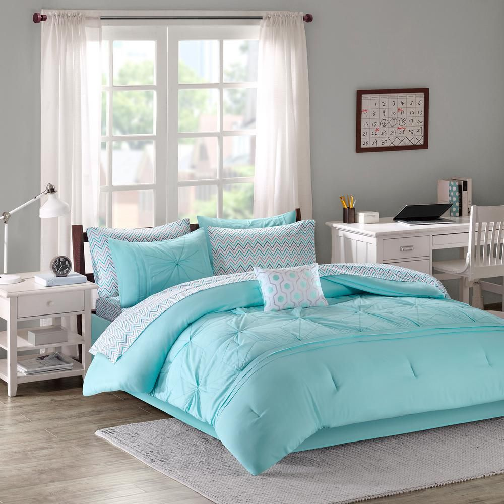 Intelligent Design Devynn 9 Piece Aqua Queen Bed In A Bag Set Id10