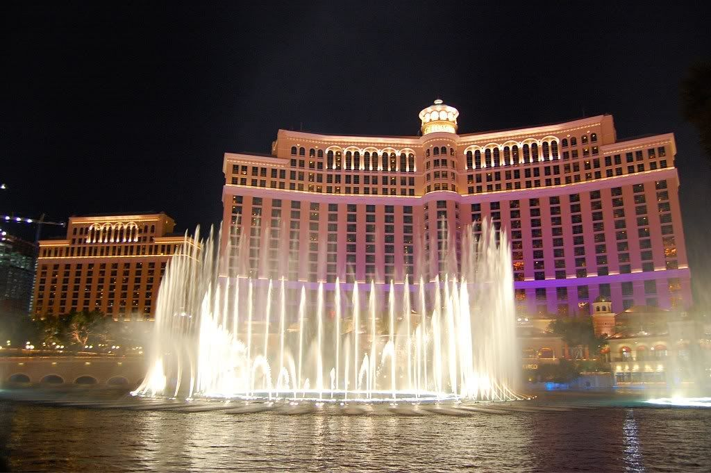 Bellagio free show images of bellagio fountains click for Las vegas fountain