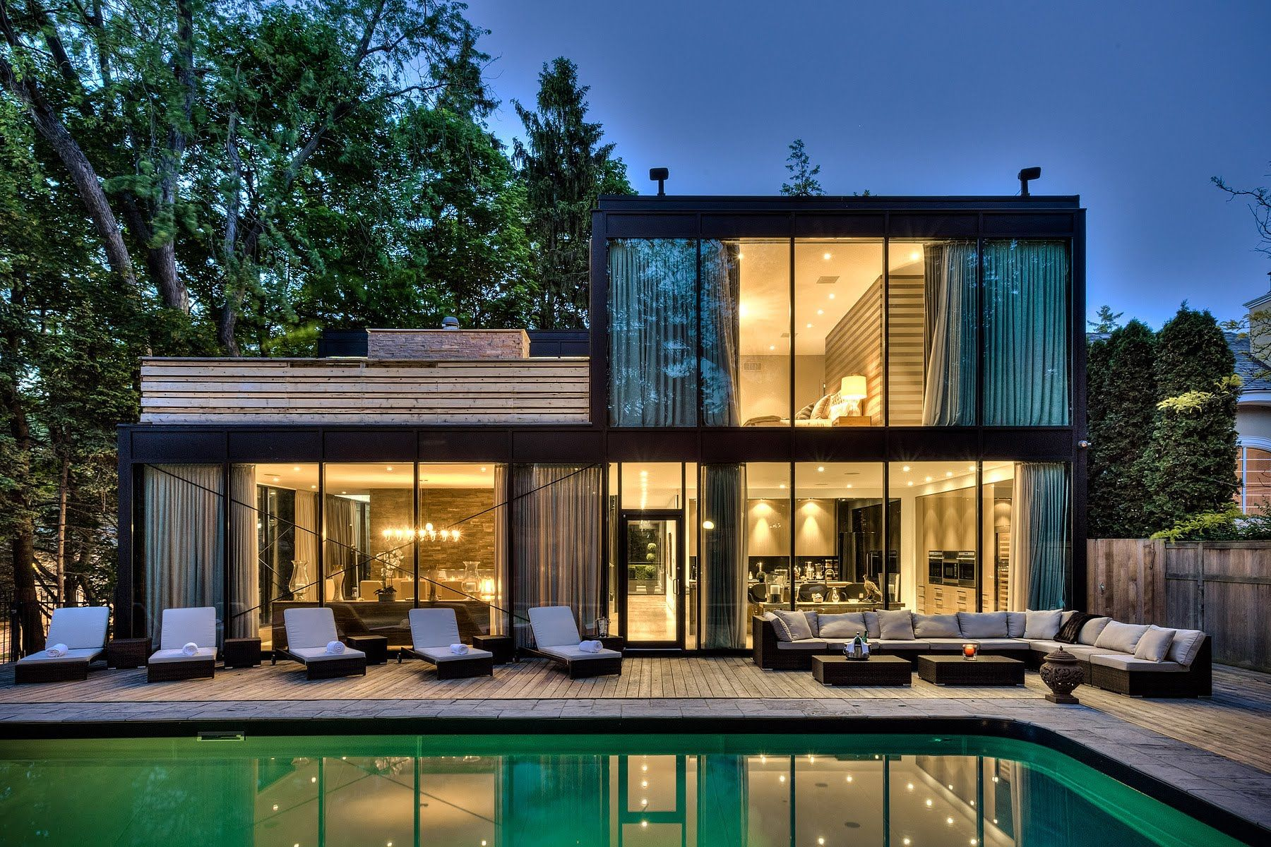 Pin By Karolina Zablotny On Dream House Glass House Design Glass House Beach House Plans