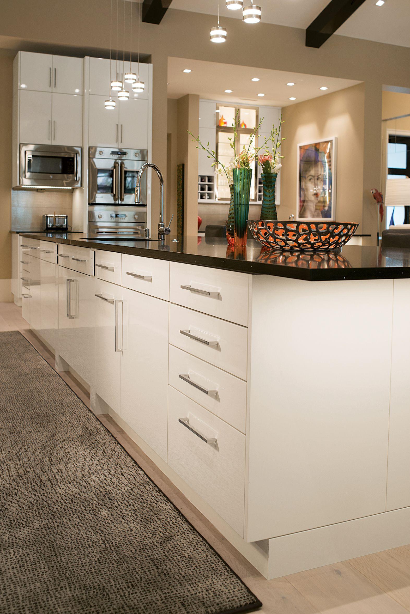 Brilliant Vista Wood Mode Custom Cabinetry Gloss Cabinets