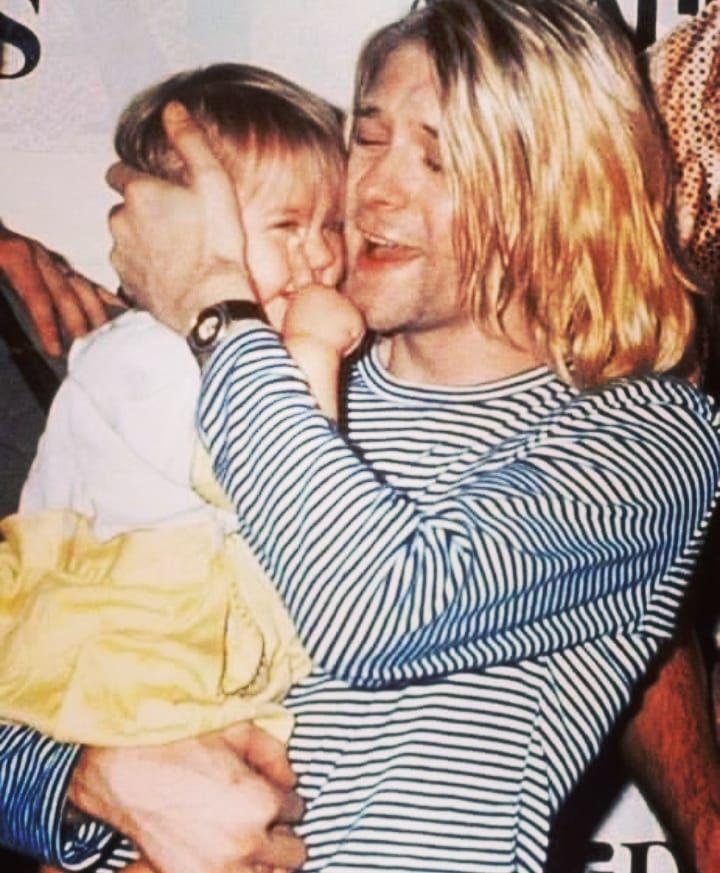 Sweet or sweet? 💋🔥 #KurtCobain #nirvana #NirvanaFan #cobain #GrungeIsDead #grungeisnotdead #rockmusik #rockmusic #IamAGrunge…