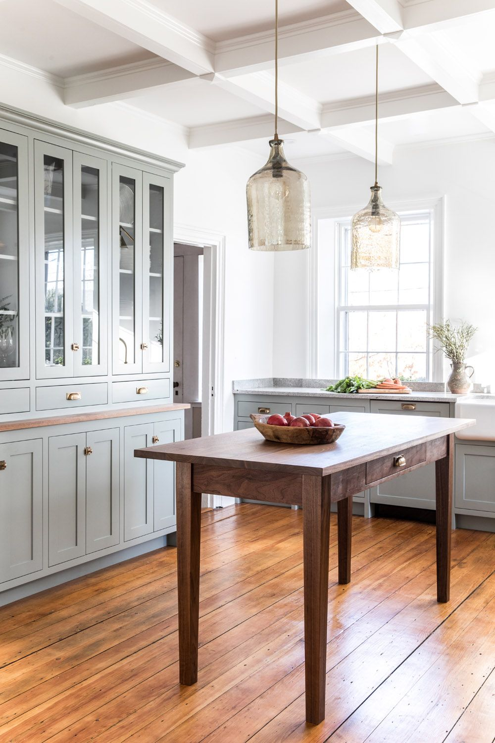 A Shaker Style Kitchen For A 30 Something Couple In Maine Rue Shaker Style Kitchens Kitchen Styling Shaker Style