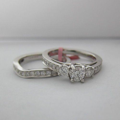 1-00-CT-F-SI-Round-Cut-3-Stone-Diamond-Bridal-Set-in-14K-White-Gold
