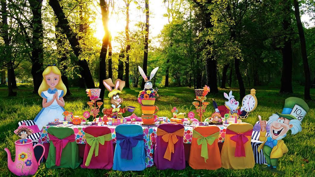 Mad Hatter Table Decorations And Alice In Wonderland Character