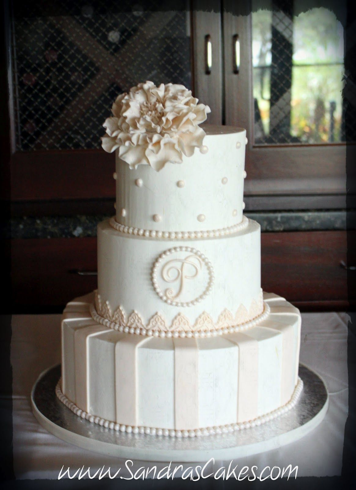 Simple But Elegant Wedding Cakes Posted By Sandra S Cakes At 7 35