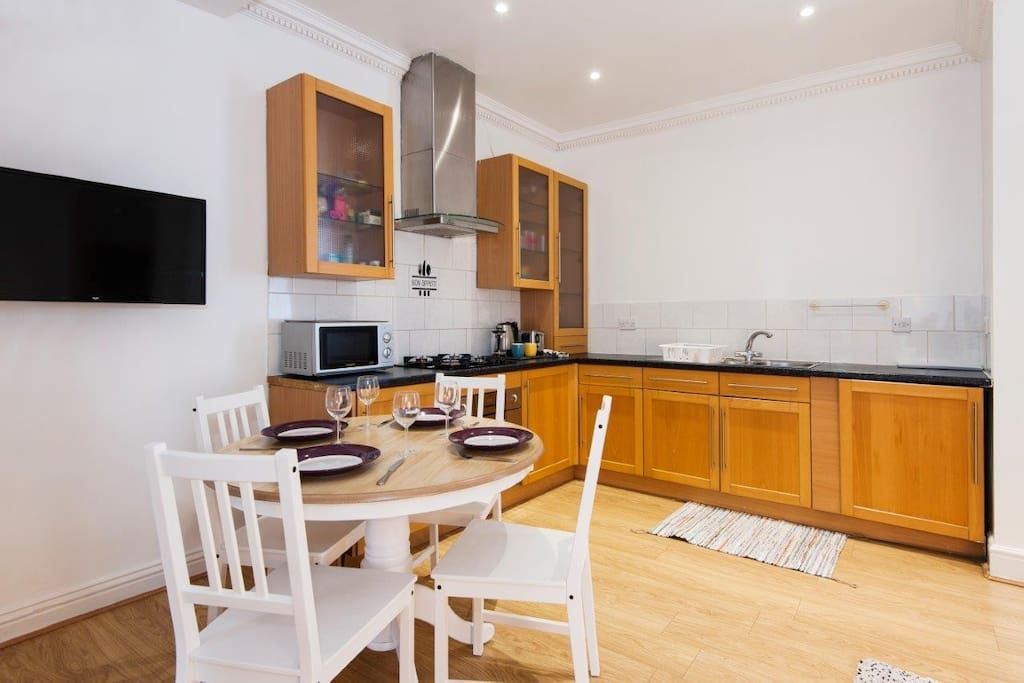 Central One Min Aldgate East Station Flat 1 Apartments For Rent In Greater London 1st Apartment Apartments For Rent Apartment