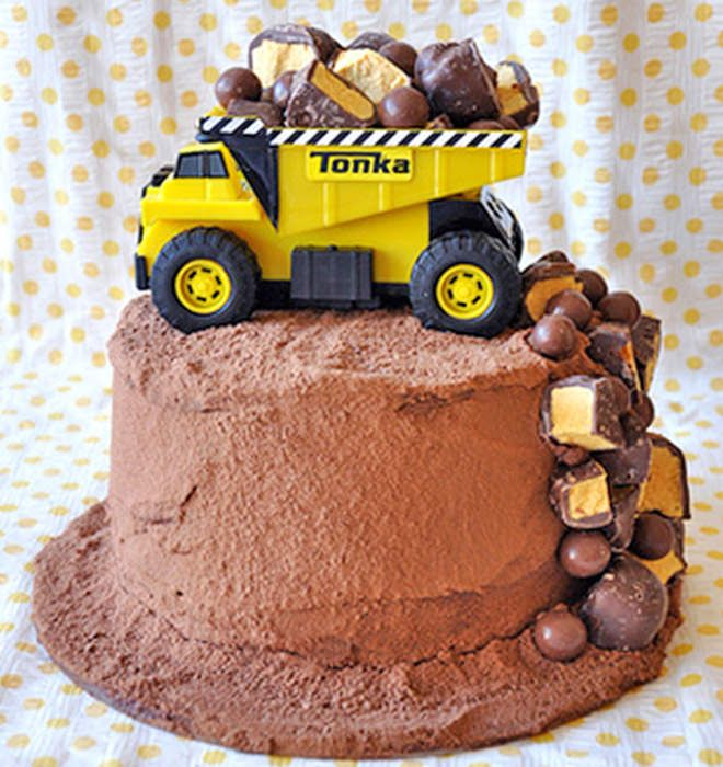 Magnificent Cakespiration 12 Construction Cakes Theyll Really Dig Funny Birthday Cards Online Necthendildamsfinfo