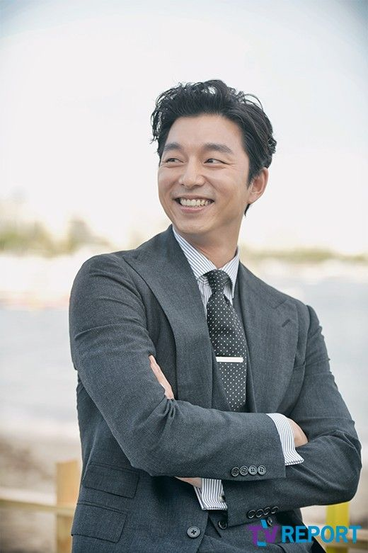 Those with broad shoulders are coming back with dramas this year. They are Kim Woo-bin, Kim Rae-won, Gong Yoo and Lee Min-ho. They are handsome, over 185.5 CM in height and have smooth voices. Let's not forget their broad shoulders which look comfy to relax in.