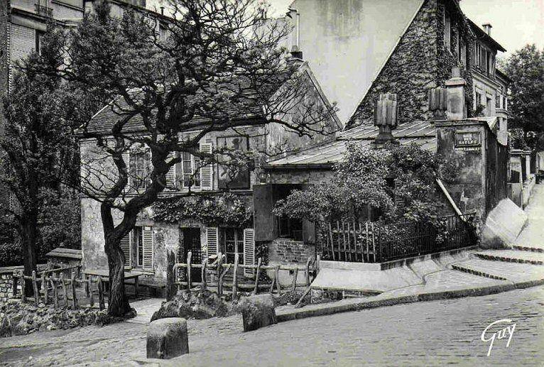 LE LAPIN AGILE, ANGLE DE LA RUE SAINT VINCENT ET RUE DES SAULES PARIS 18°
