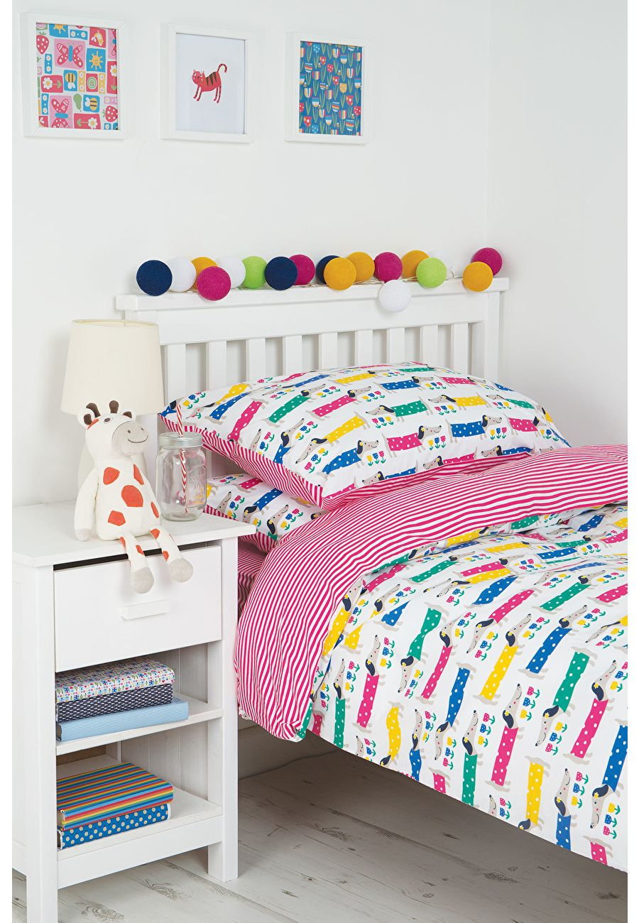 Snoozy Single Bed Set My youngest two would love this